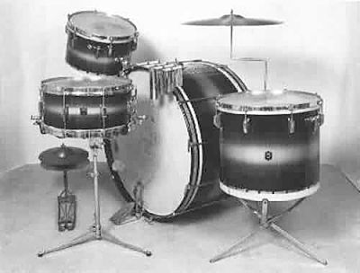 "LEEDY: lew000K 4 pc., '36-'40, blue & silver lacquer, 14x28 single tens. bass, 9x13 & 14x16 toms, 61�14 matching ""Broadway Parallel"" snare."