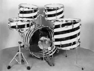 "LUDWIG: luv004K 5 pc., 70's-80's, ""Vistalite"", candy cane red & white, 14x22 bass, 8x12, 9x13 & 16x16 toms, 5x14 snare."