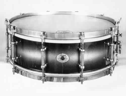 "LUDWIG:  luw010s  5x14, early 30's, ""Standard"", 10 tube lugs, duco lacquer finish, clip-style brass rims."