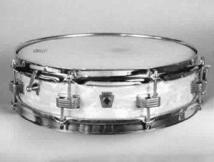 "LUDWIG: luw028s 4x14, 60's, ""Downbeat"" model, piccolo, white marine pearl, 8 lugs."