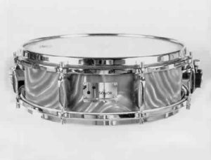 SONOR:  sow002s  4¾x14, late 60's, blue satin type finish, 8 lugs, triple-flanged rims.
